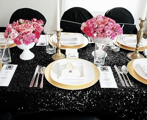 cena fiesta chicas chanel mesa