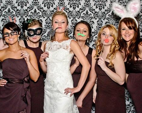 photocall boda bigotes
