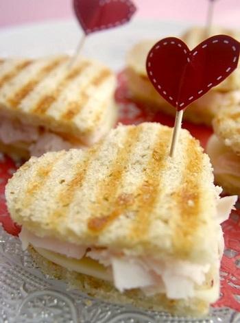 sandwiches formas fiesta corazones