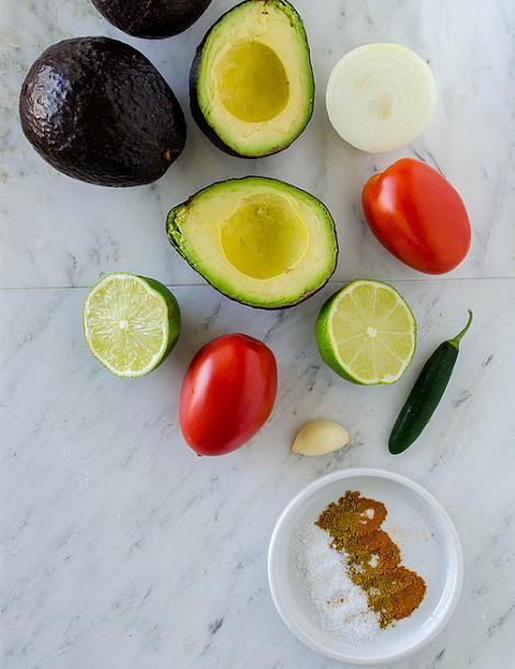 salsa-casera-de-guacamole-1