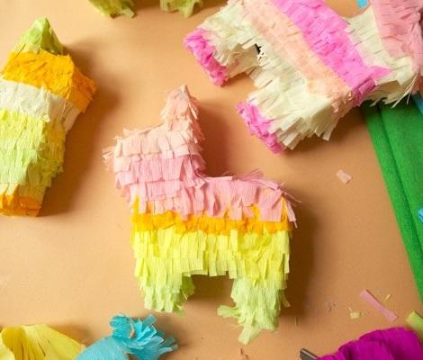 manualidades verano fiestas mini piñatas