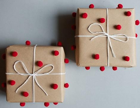 ideas envolver regalos pompom