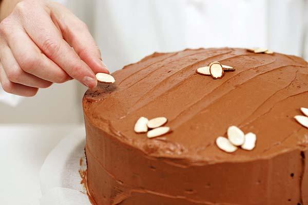 como-decorar-una-tarta-casera